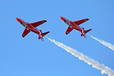 Blog Thumbnail - See the red arrows on 12th August in St Mawes