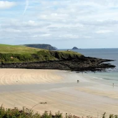 Blog Thumbnail - Porthcurnick beach and café reopens
