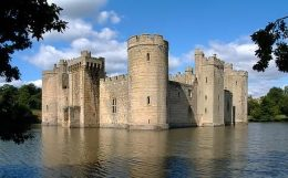 Bodiam Castle - Nr Robertsbridge East Sussex click to go to site.