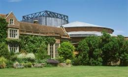 Glyndebourne click to go to site.