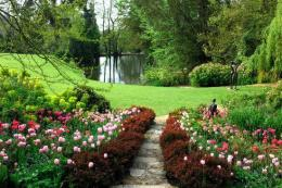 Pashley Manor Gardens - Ticehurst East Sussex click to go to site.