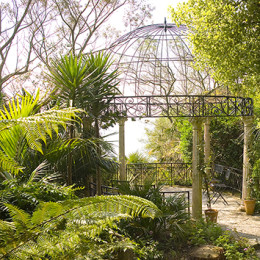 Lamorran House & Gardens click to go to site.