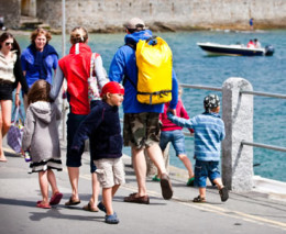St Mawes Carnival Week - August click to go to site.