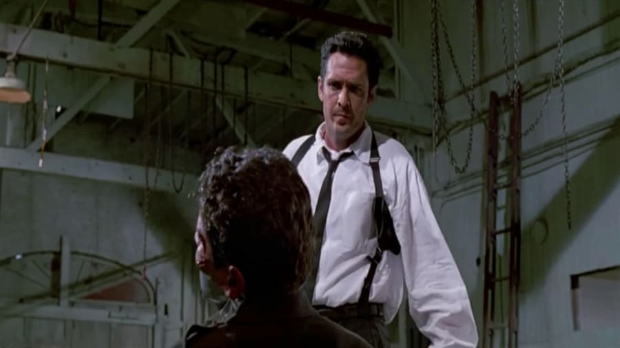Reservoir Dogs – An Cop Gets Stuck In The Middle With Mr. Blonde