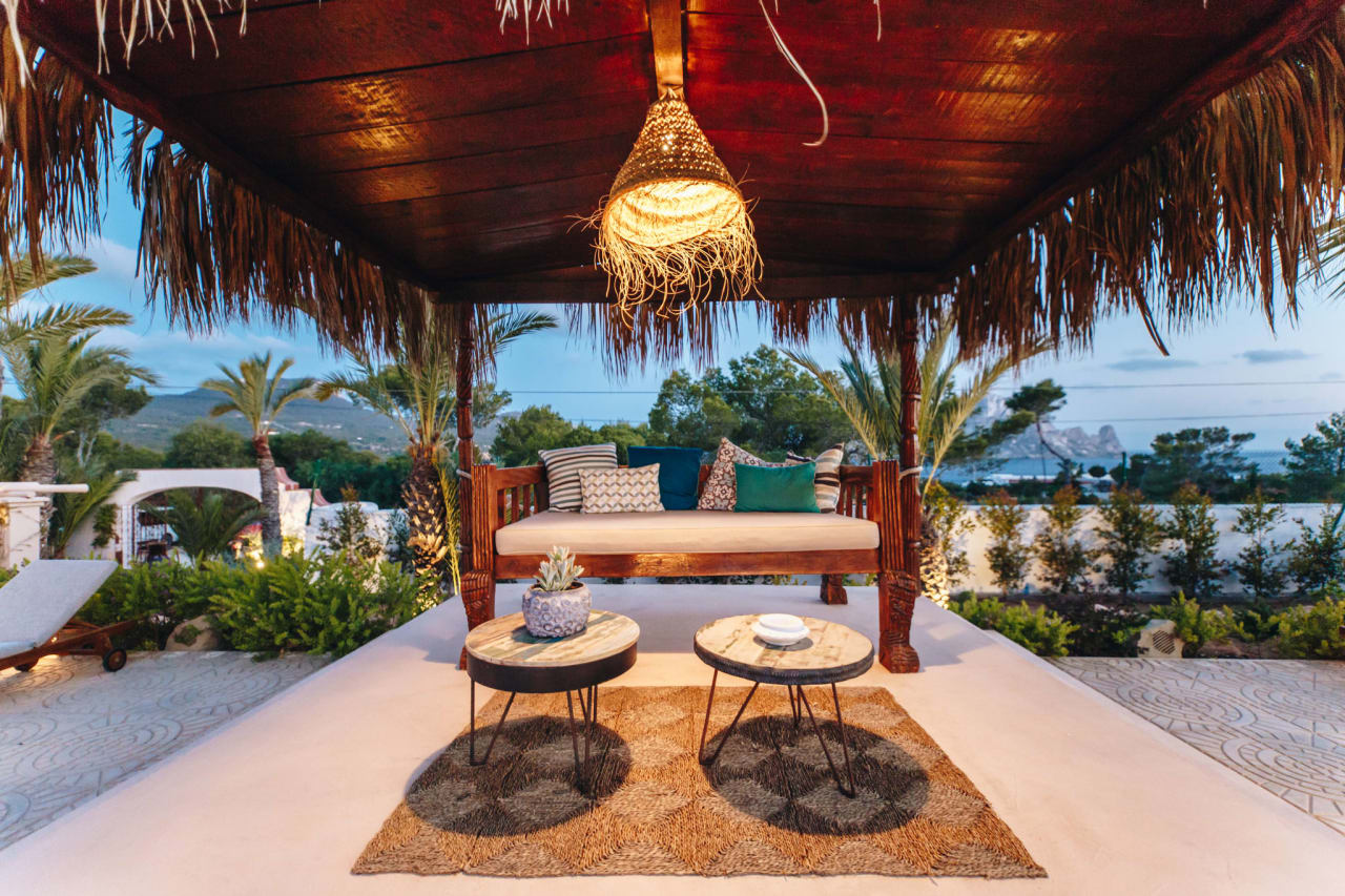 Petunia Ibiza y La Mesa Escondida: el match mediterráneo perfecto con las mejores vistas de la isla - EDDK Magazine