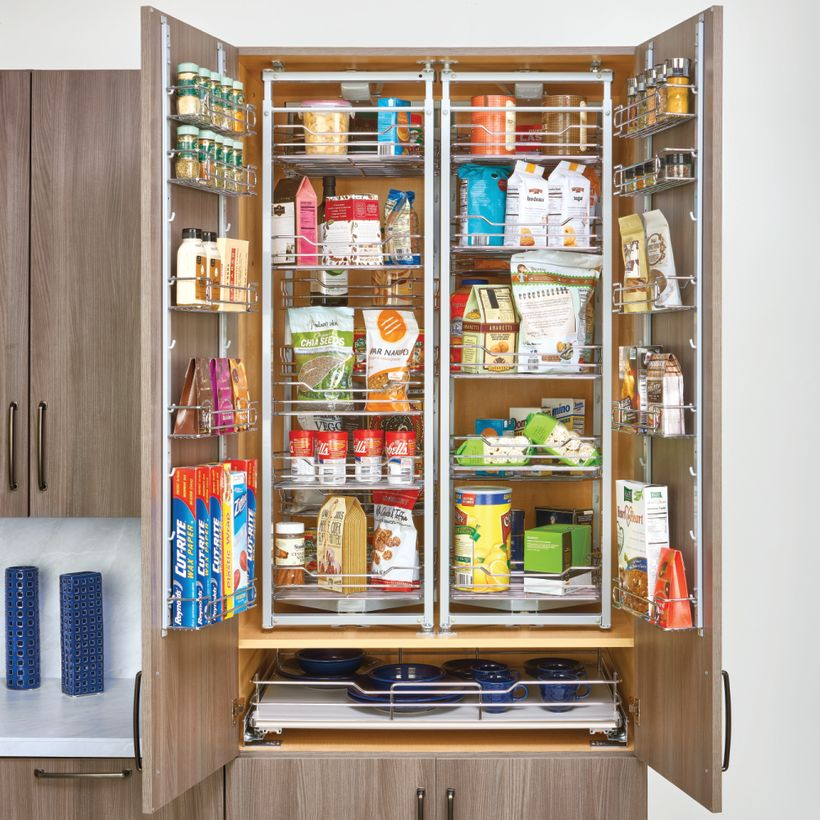 5722 Series Chef's Roll-Out Wire Pantry with Door Storage