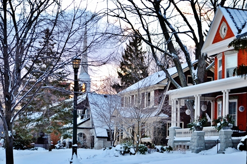 Before you decide to adjust the heat in your home, you should do a quick inspection of your property. Perhaps the reason your house is so chilly is because your house poorly insulated.