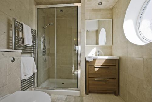 Innovations in bathroom fixtures can decrease your eco-footprint and your utility bills. Here are five tips to an eco-friendly bathroom remodel that'll work for you and the planet.