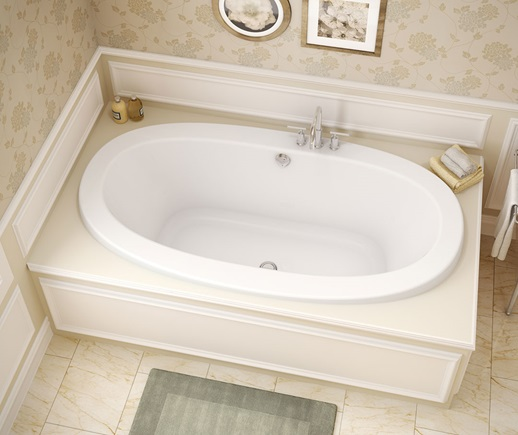 MAAX Reverie Oval White Bathtub