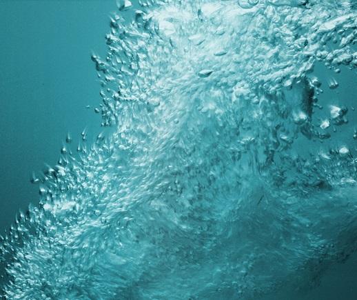 Water movement in an air massage bathtub