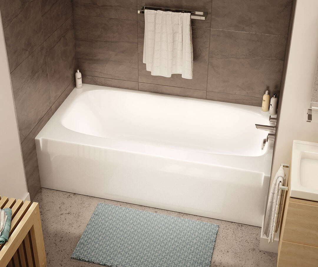 Range of bathtubs.