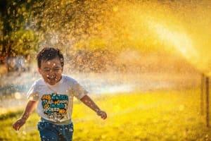 نشانه خرد بیشتر نه ممانعت از خنده، بلکه مهار کردن اشک است (پلیلیست جمعهها ۱۰)