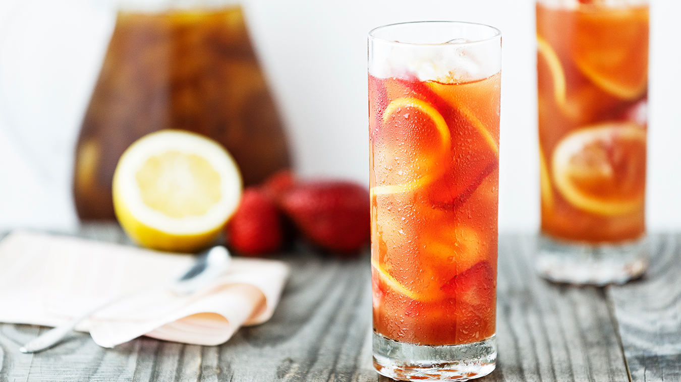 Amoretti Recipe: Strawberry Rhubarb Sun Tea