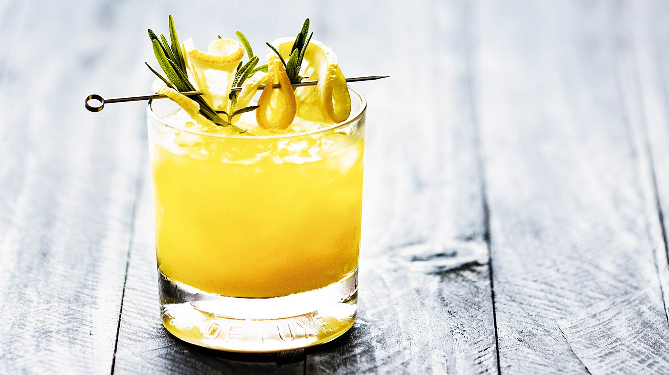 Amoretti Recipe: Rosemary Whiskey Sour