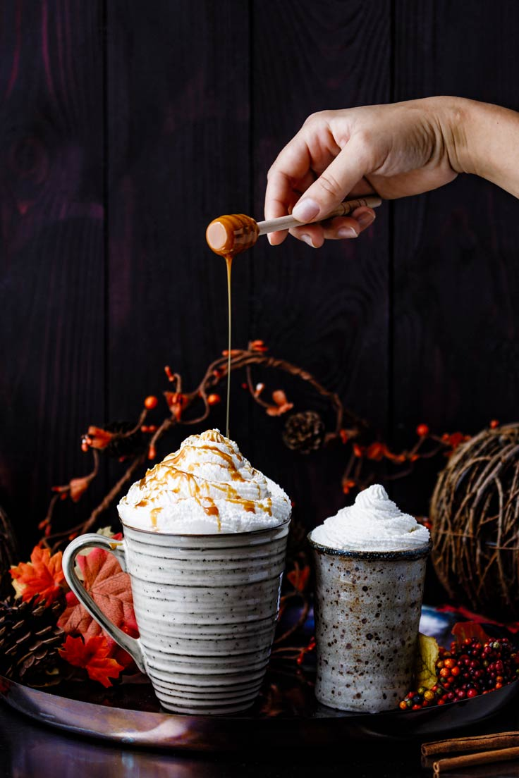 Amoretti Recipe: Pumpkin Spice Lattes with drizzle