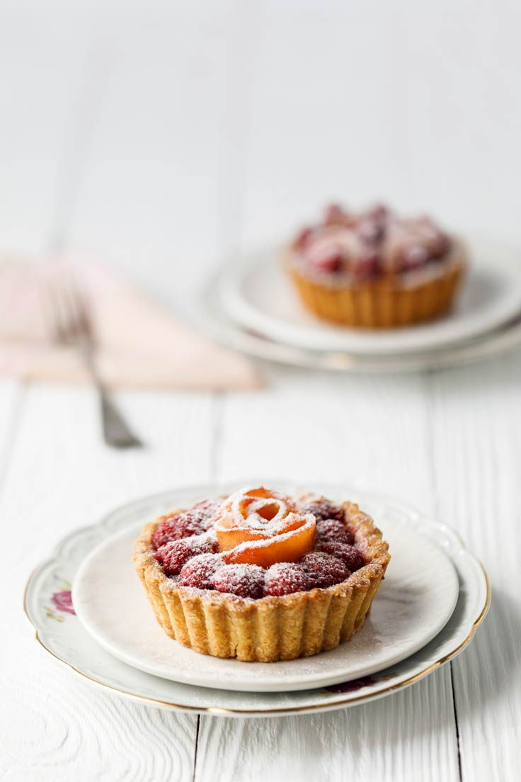 Amoretti Recipe: Peach & Raspberry Tarts