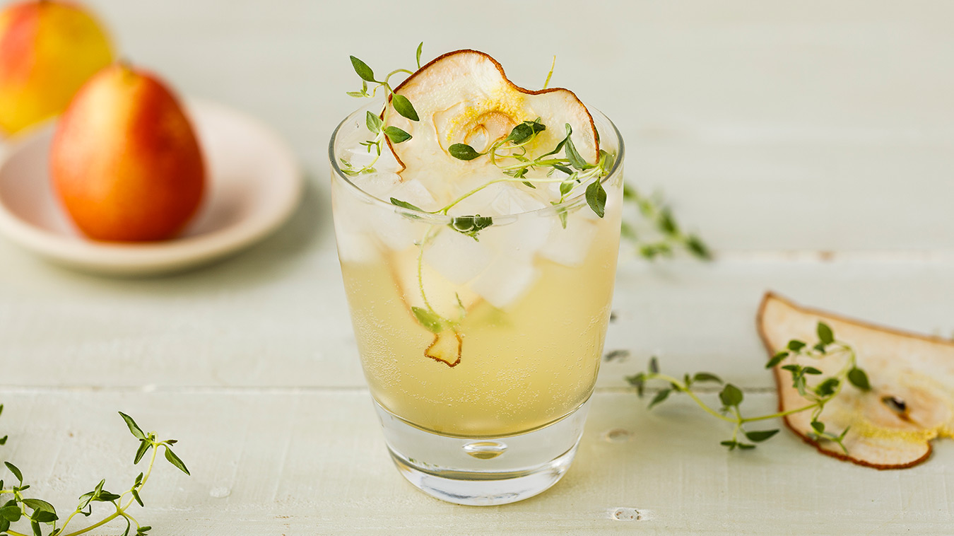 Amoretti Recipe: Pear Spritzer