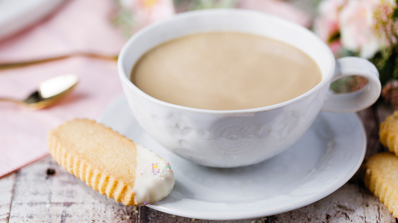 Amoretti Recipe: Peaches & Cream Spring Shortbread Cookie dipped in White Chocolate Ganache
