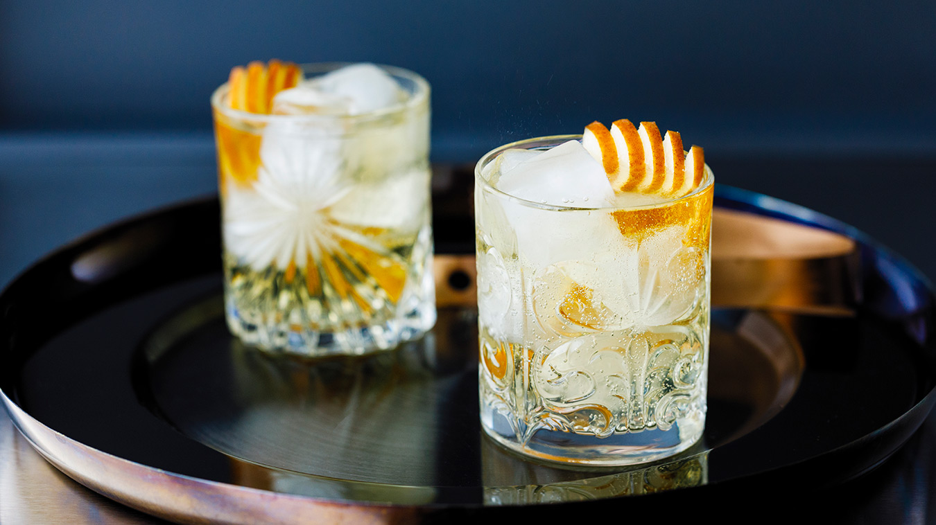 Amoretti Recipe: Pear Almond Gin & Tonic