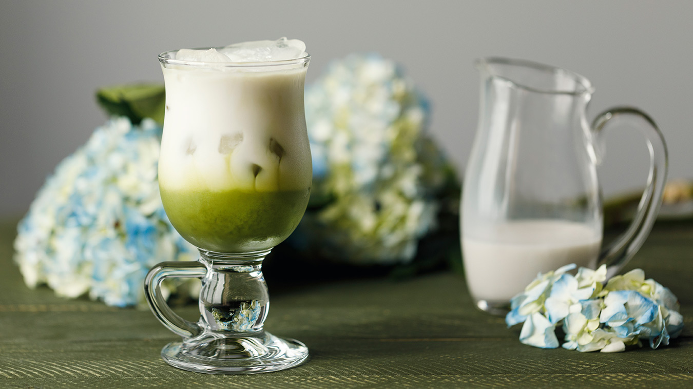 Amoretti Recipe: Iced Coconut Matcha