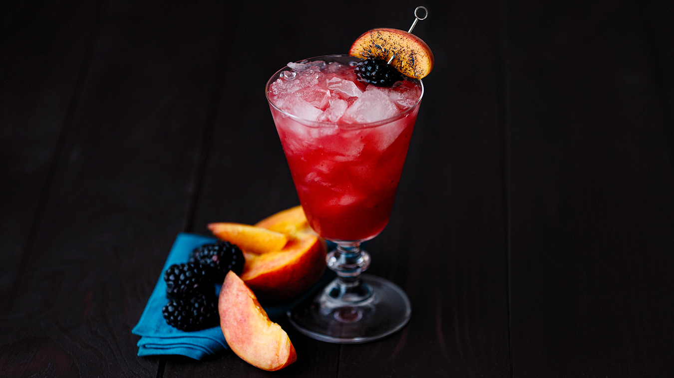 Amoretti Recipe: Charred Peach & Blackberry Bramble Cocktail
