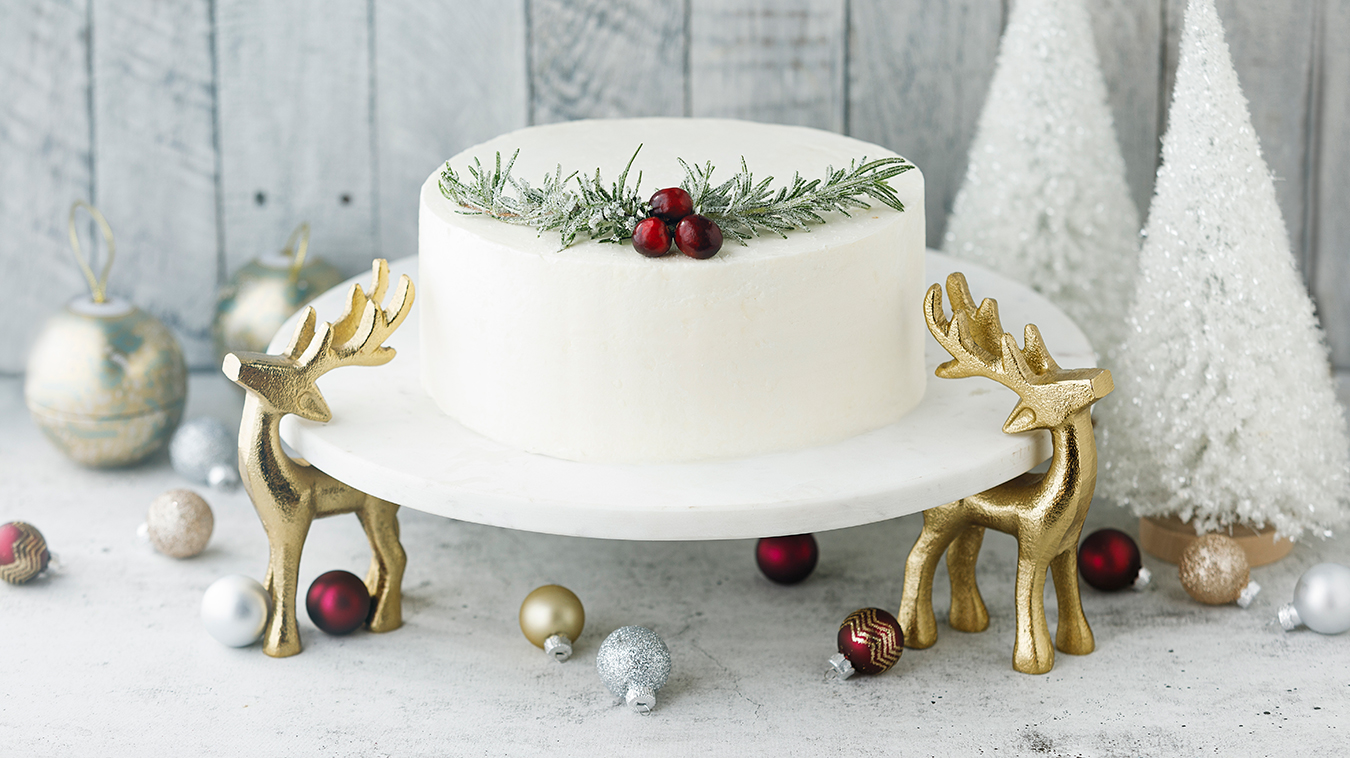 Amoretti Recipe: Cranberry Layer Cake