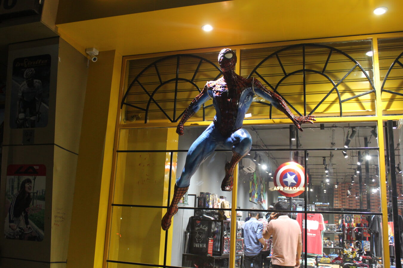 STPL 3d printing crafted 6 feet sculpture of spiderman