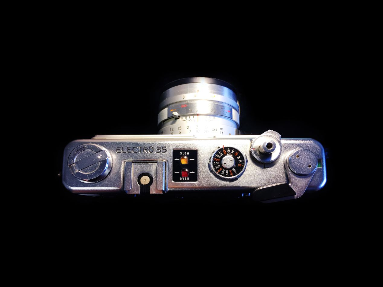 Top plate of Yashica Electro 35 GSN.