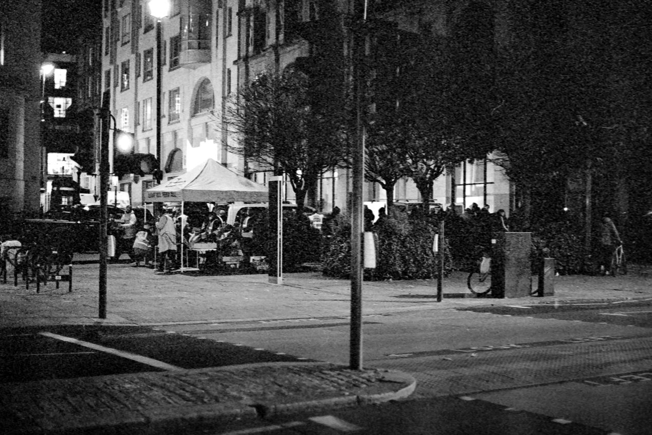 Food Station on the Strand, at the back of the St. Martin-in-the-Fields church, Autumn 2020 (Kodak T-Max 3200 exposed at box speed).