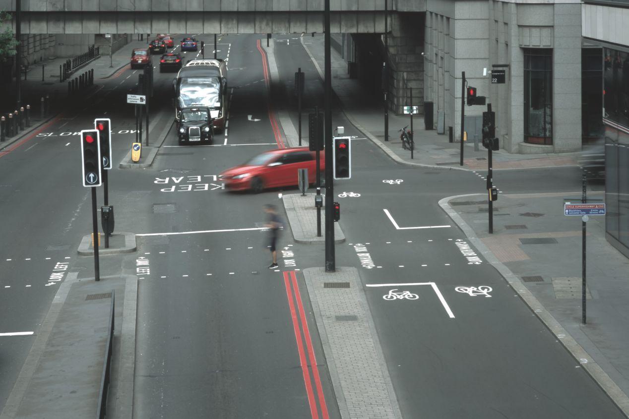 Lower Thames Street, taken from a pedestrian bridge. 100/3.5 Fujinon.