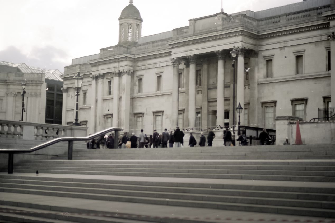 Food lines in front of the National Gallery, Trafalgar Square, Summer 2020 (Svema Color 125).