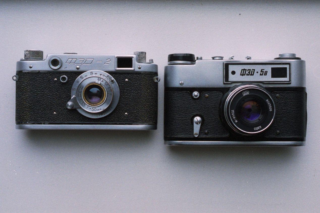 FED-2 vs FED-5 size comparison.