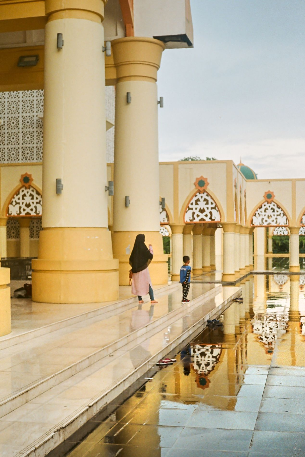 The main mosque, after the rain. Captured on Fuji Superia X-Tra 400.