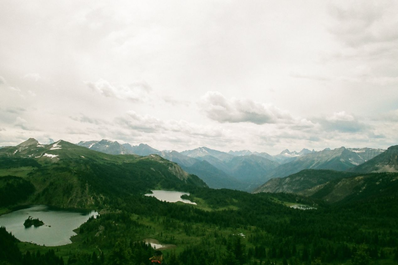 A view of all three lakes on the Sunshine Meadows trail.