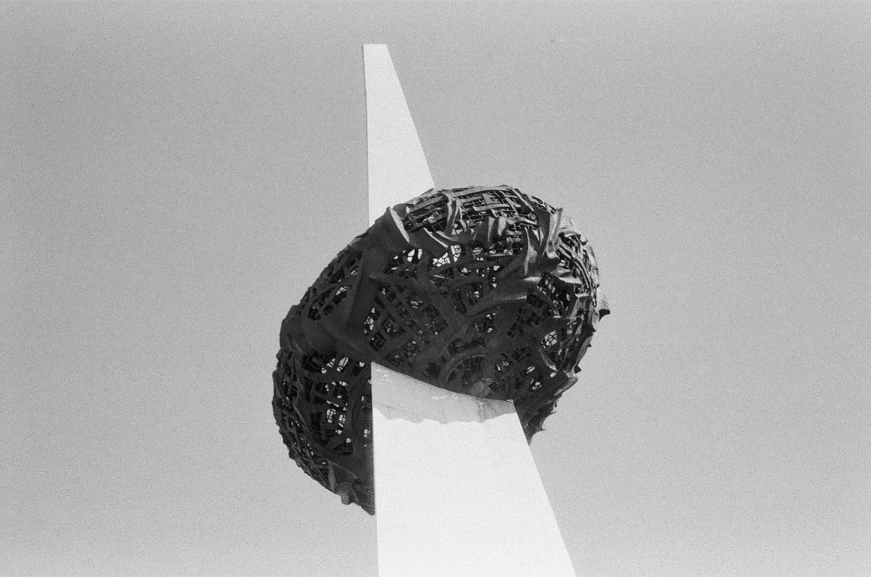 Rebirth Memorial, Bucharest, Romania. Pentax Espio 738G, Lomo Lady Grey 400.