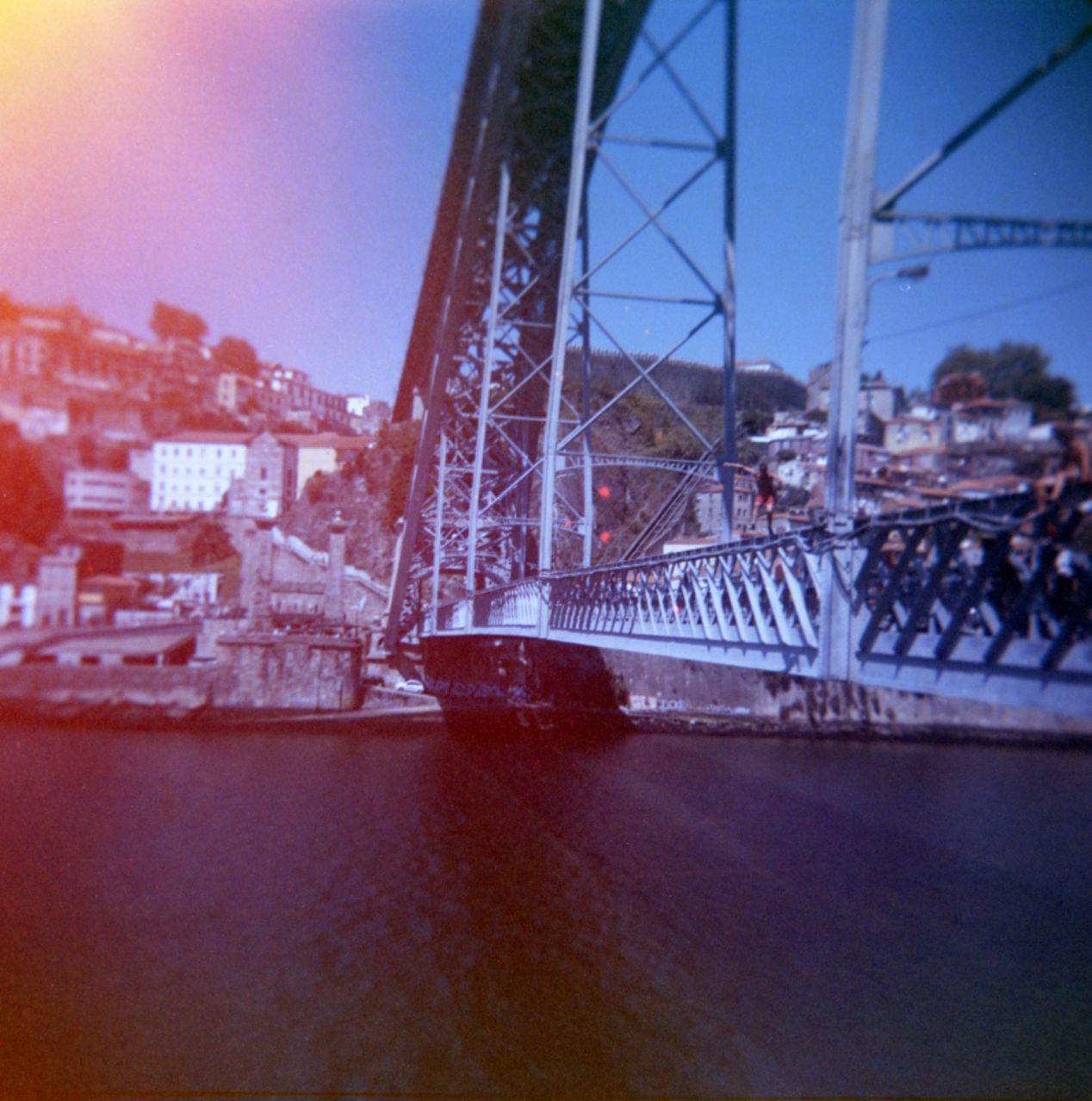 Ponte D. Luís I. Holga 120.