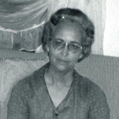 Iris  Mott