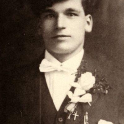 Charles  Zmuda