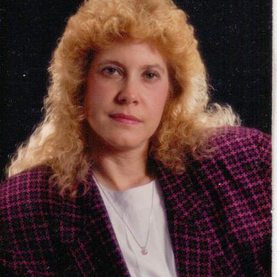 Carol  Carnal