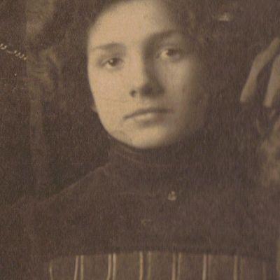 Charlotte  Retzell