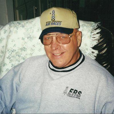 Raymond  Sacker