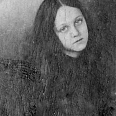 Charlotte  Montenegro