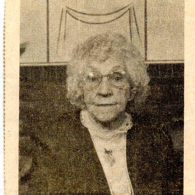 Edna  Tate