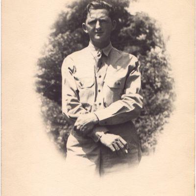 Lewis  Coats