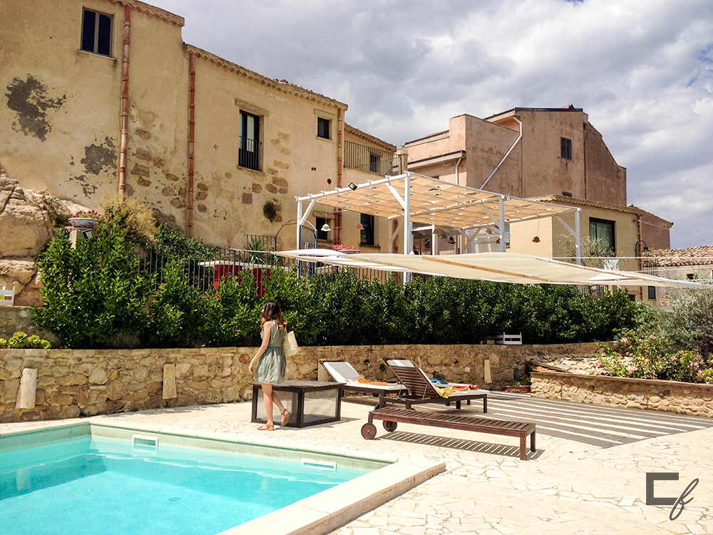 case al borgo pool agira
