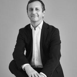 Sigmund Toth - mv