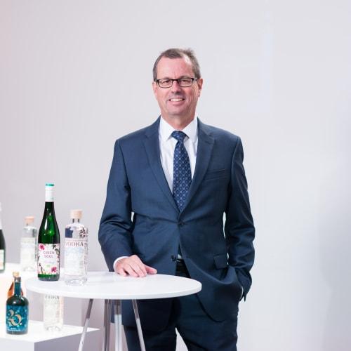 Michael Holm Johansen yhdistymisen tiedotustilaisuudessa 2020