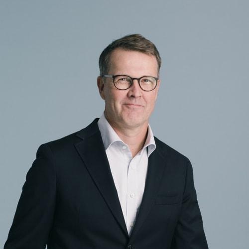 Pekka Tennilä - CV kuva - 800x800