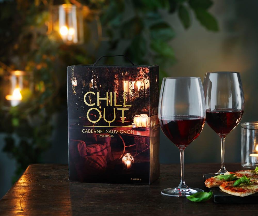 Chill out cabernet sauvignon bib and glasses