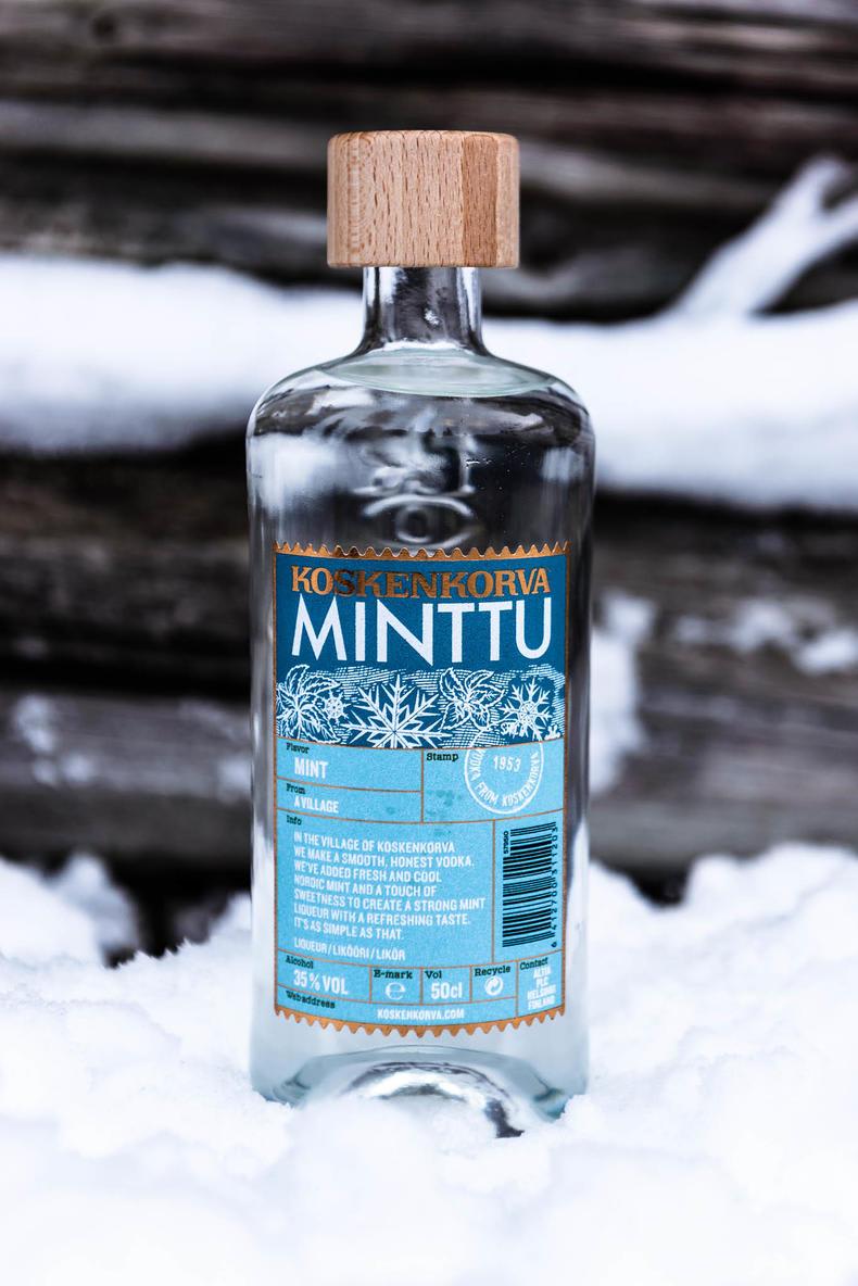 Koskenkorva Minttu in snow